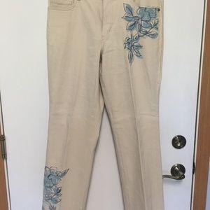 COLDWATER CREEK Pants. Beige w/ Blue Florals Pants